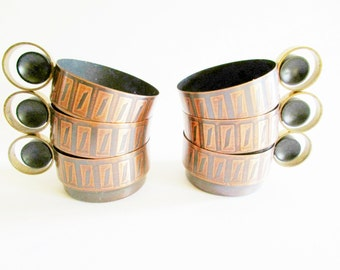 Set of 6 Copper Retro Tea Cup Holders with Round Iconic Handles, Modern Housewares, in a typical 70s Design