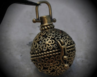 Round Flourish Filigree Design Prayer Box Locket in Brass Three Dimensional Pendant Charm C21