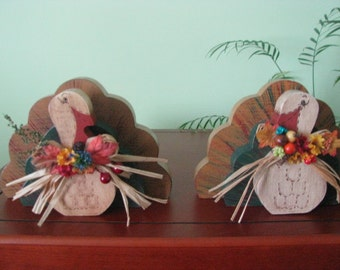 Turkey, Thanksgiving, holiday, shelf sitter, wood, fall decor, fall, centerpiece,  raffia
