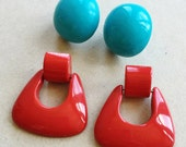retro turquoise blue and bright red acrylic over sized 80s vintage pierced earrings//door knocker and chunky dots---mixed lot of 2 pairs