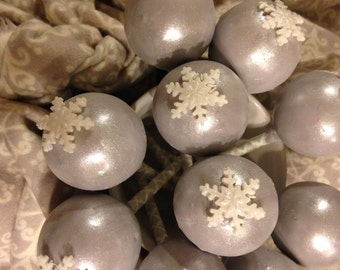 Christmas Cake Balls Or Cake Pops Truffle  Texture  Gift  Box 1 Dozen