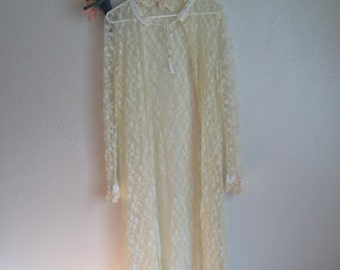 Vintage yellow white wedding robe lingerie sheer nightgown lace ribbon 70s 60s 80s babydoll grunge