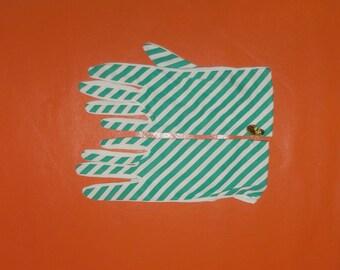 DEADSTOCK Vintage Striped Gloves Unworn Mod Nylon Stretch Gloves 1960s NWT Spring Summer Glove Green White Stripe Made in England sz 6.5 + 7