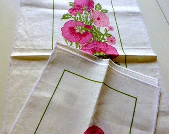 Mint Tea Towel and 4 Napkins With Pink Flowers