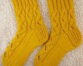 Handknit Womens Cashmere-Wool Blend Socks (S-200)