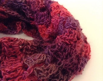 Ombre Chunky Cowl, Crochet Cowl, Red Crochet Infinity Scarf, Blue Infinity Scarf