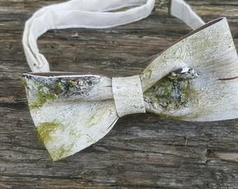 Rustic Wedding Bowtie, Faux Wood Tie, Nature Wedding, Birch Bark Tie, Garden Wedding, Wedding Bowtie, Outdoor Wedding, Quirky Bowtie,