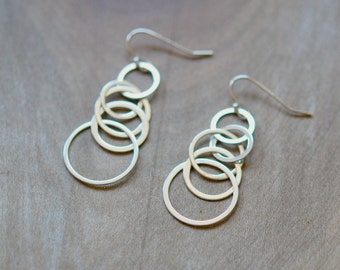 Sterling silver circles earrings - silver linked circles - long earrings - five circles - gift under 30 - gift for women - spiral