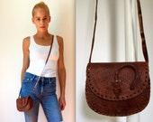 vintage 70s small brown leather purse crossbody little purse bag boho hippie festival purse handbag with arrowhead closure native american