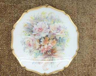 Vintage Stratton Floral Design Compact