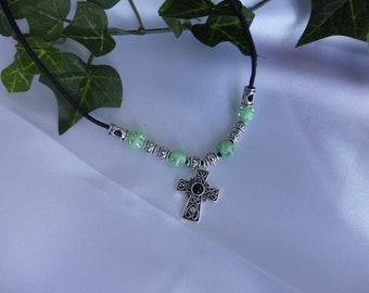 Cross necklace in pale green and silver