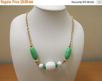 On Sale AVON Green and White Plastic Beaded Necklace Item K # 1495