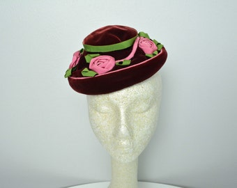 Vintage 1940s 40s Tilt Hat Hattie Carnegie Designer Velvet and Roses