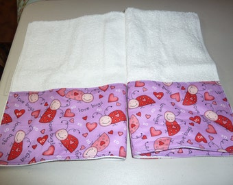 Valentine's Day Love Bugs Decorative Hand Towels (Set of 2)  for Kitchen, Bath or Powder Room