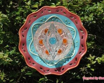 Glass Yard Art Festive Fiesta Garden Flower Plate Sculpture for Outdoor Decor