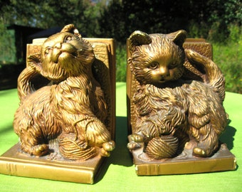kitten bookends pair cats with yarn ball staturary corp plaster brass