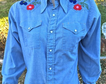 Vintage - Sears Western Wear Chambray Womens Embroidered Shirt