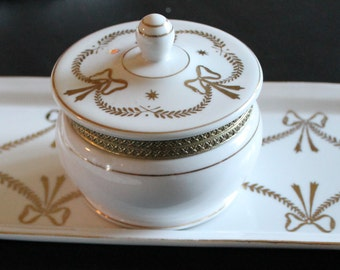 Vanity Set in White Porcelain and Gold