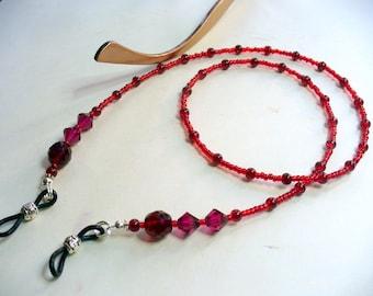 Red Beaded Eyeglass Holder, Eyeglass Chain, Shades of Red Eyeglass Necklace Leash, Sunglass Chain, Eyeglass Lanyard, Reading Glasses Chain
