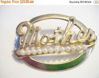 25% Off Storewide Sale Vintage Gold and Pearl Mother Brooch