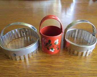 Vintage Trio of Round Cookie Cutters