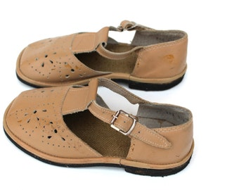 Soviet vintage girls sandals UNUSED Girls leather shoes Retro baby footwear Genuine leather girls shoes Beige girls sandals