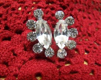 Pretty Vintage Tear Drop Rhinestone Screw-Back Earrings