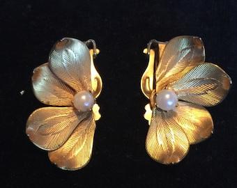 Vintage Clip On Earings
