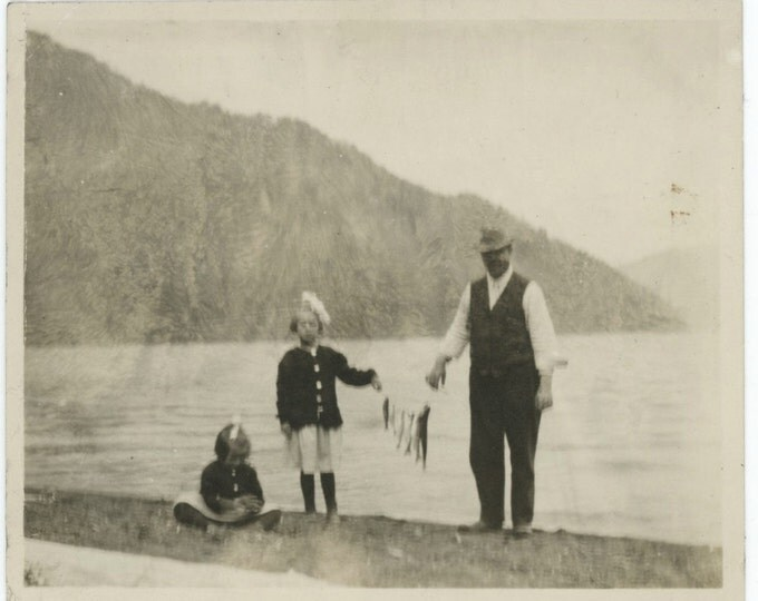 The Day's Catch, Early 1900s Vintage Snapshot Photo (511432)