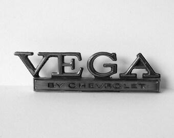 Chevrolet Vega Car Emblem Badge Escutcheon 9614495 3 CDC