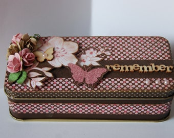 Altered Tin Box and Mini Scrapbook - Remember