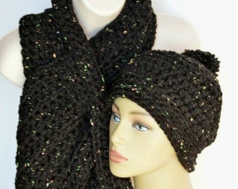 Keyhole scarf set, Black scarf set, Black beanie, Chunky scarf, Adult neckwarmer, Gifts under 40, Winter accessorie, Ready to ship