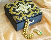 Chinese prayer beads | Gold water pearls | gold cloisonné clasps | Chinese silk box