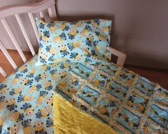 Turquoise Blue Toddler Bed MINIONS Despicable Me Fabric Crib Set Large Minion Rag Quilt Sheet & Case