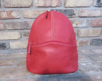 Vintage Red leather Tignanello backpack in EUC  heavy cherry red leather