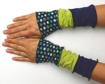 Mittens Arm Warmers 3 colours Wrist Warmers patchwork cotton flower blue