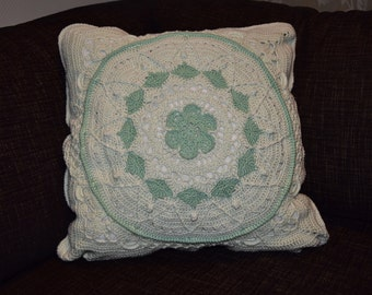 Mandala designed throw pillow case - Mint green and bright green - Size 40*40cm - Handmade