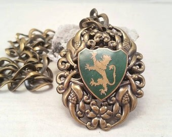 Vintage large brass lion crest necklace - 19""