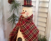 Snowman Shelf Sitter Vintage Look Wood   Meet Watson the Wreath Bearing Snowman