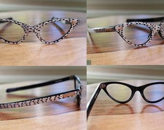Vintage 1950s 1960s Black and Gold Glitter Pattern Cat Eyeglasses NOS 44/20