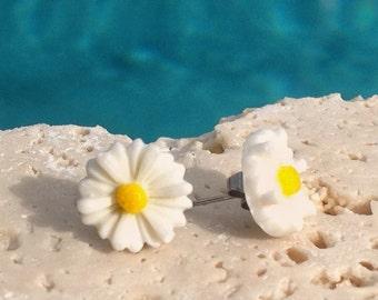 Happy daisy earrings, white daisy earrings, daisy earrings, daisy stud earrings,daisy jewelry Earring#WHT101