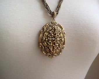 Large Gold Locket / 1960s signed Whiting Davis locket / Embossed floral locket holds 2 pictures / Long chunky chain / Mother's Day gift