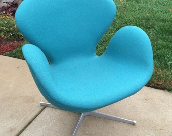 Arne Jacobsen SWAN  Chair Tilt and swivel Vintage 1960's