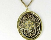 This item is ON SALE Vintage Damascene Pendant Necklace with star design black gold tone collectible jewelry