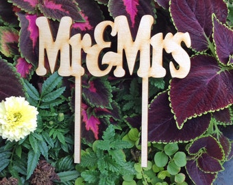 "Cake Topper ""Mr & Mrs. wood  HANDMADE"