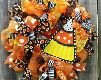 Candy corn wreath,Halloween wreath,Candy corn décor,Halloween decor, Candy corn door hanger,Fall wreath, Halloween door hanger,Candy corn