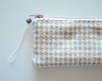 Houndstooth pen case, houndstooth cosmetic pouch, houndstooth toiletry bag, houndstooth travel bag