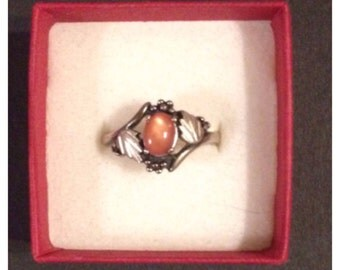 silver ring with stone marked ster 925 size 8