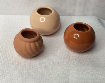 "Dollhouse Miniature Ceramic Set of Three Planters 1"" scale (ITZ)"