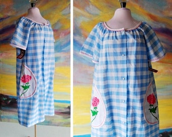 SEXY 50% OFF SALE Cottage Chic House Dress in Blue Gingham with Pink Rose Pockets, by Komar, Nwt Nos size Medium